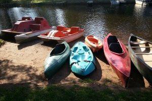 kayaks-shore-2014-300x221.jpg